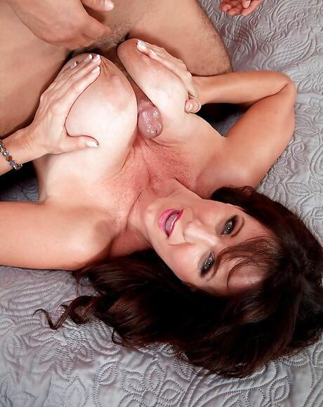 Titty Fuck Milf Porn