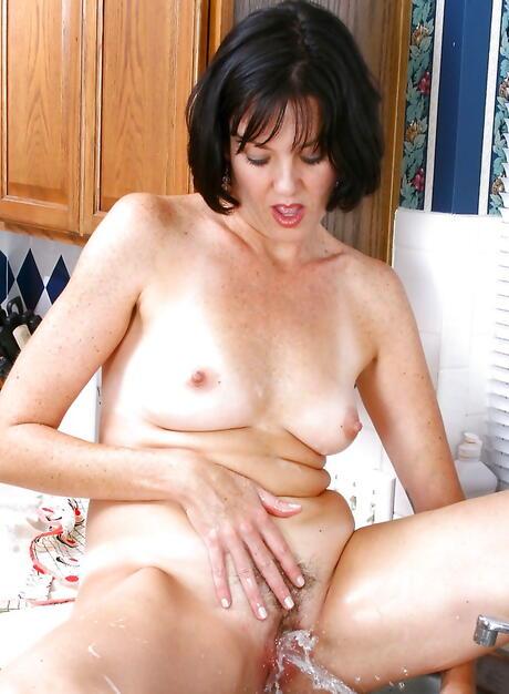 Beaver Milf Porn