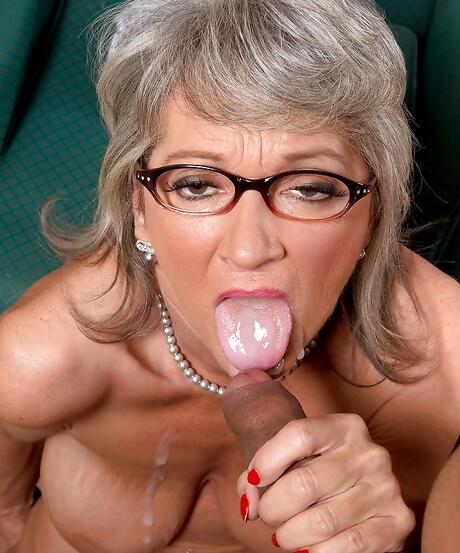 Tongue Milf Porn