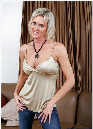 Jeans Milf Porn