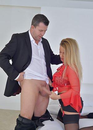 CFNM Milf Porn