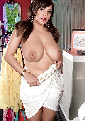 Nipples Milf Porn