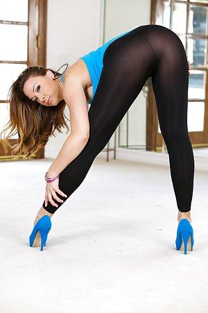 Yoga Pants Milf Porn